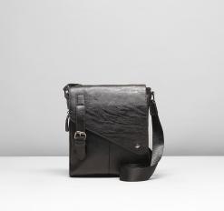 Сумка мужская, 1 отдел, 2 наружных кармана, расширение, длинный ремень, цвет чёрный