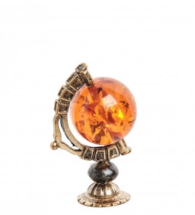 AM- 249 Фигурка  Глобус   латунь, янтарь