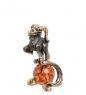 AM- 315 Фигурка  Знак зодиака - Козерог   латунь, янтарь
