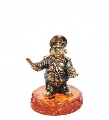 AM- 244 Фигурка  Гаишник   латунь, янтарь
