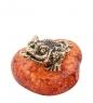 AM- 432 Фигурка Лягушка трехлапая  латунь, янтарь