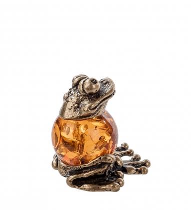 AM- 434 Фигурка  Лягушка шарик   латунь, янтарь