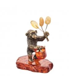 AM- 480 Фигурка «Обезьяна с подарком»  латунь, янтарь