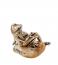 AM- 423 Фигурка  Лягушка деловая   латунь, янтарь нат.