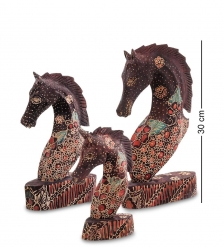 10-013 Фигурка  Лошадь  набор из трех 25,20,15 см  батик, о.Ява
