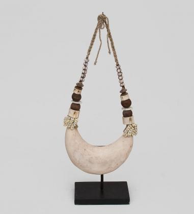 26-008 Ожерелье аборигена  Папуа