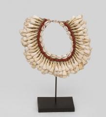 27-003 Ожерелье аборигена  Папуа