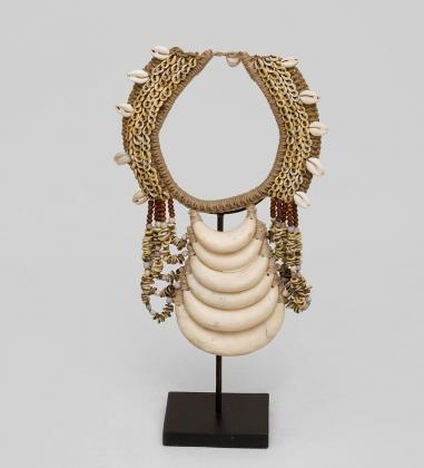 27-015 Ожерелье аборигена  Папуа