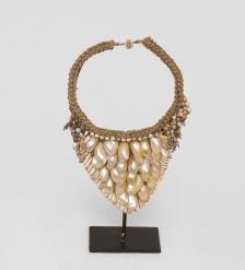 27-017 Ожерелье аборигена  Папуа