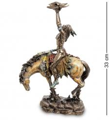 WS-493 Статуэтка  Индеец с трофеем