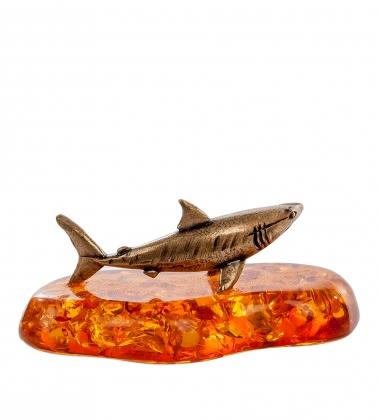AM- 192 Фигурка  Акула   латунь, янтарь