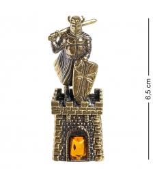 AM- 627 Фигурка  Рыцарь-колокольчик   латунь, янтарь