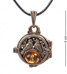 AM- 670 Подвеска  Медальон Голуби   латунь, янтарь