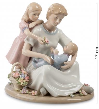 CMS-27/24 Статуэтка Мама и дети  Pavone