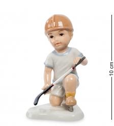 CMS-12/33 Статуэтка Мальчик  Игра в хоккей   Pavone
