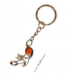 AM- 835 Брелок «Кошечка с мячиком»  латунь, янтарь