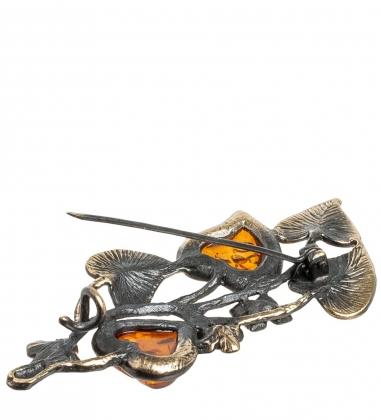 AM- 889 Брошь  Веточка Сирени   латунь, янтарь