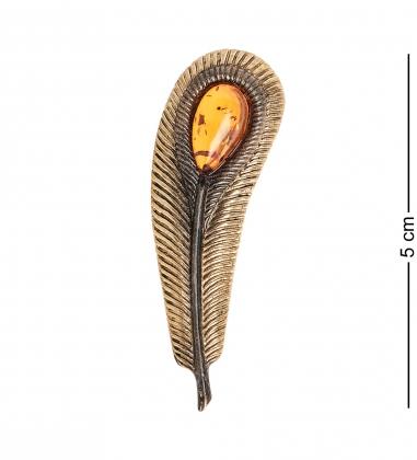 AM- 938 Брошь  Перо Павлина   латунь, янтарь