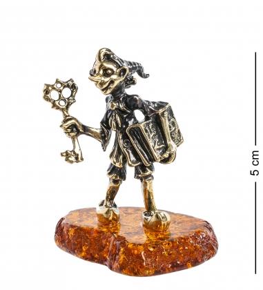AM- 962 Фигурка  Буратино   латунь, янтарь
