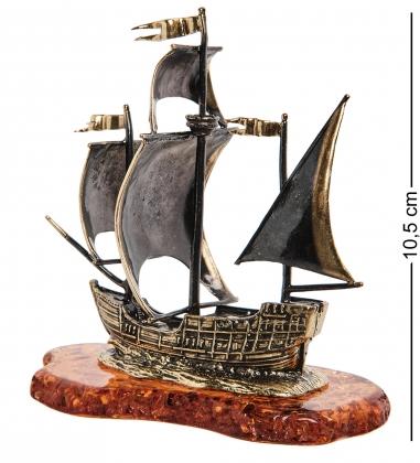 AM-1025 Фигурка  Корабль-Каравелла   латунь, янтарь