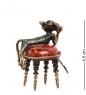 AM-1043 Фигурка  Кот сытый на пуфике   латунь, янтарь