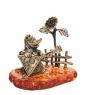 AM-1084 Фигурка  Лиса с балалайкой у подсолнуха   латунь, янтарь