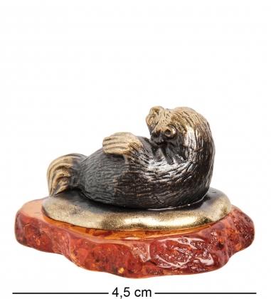 AM-1114 Фигурка  Морской котик   латунь, янтарь