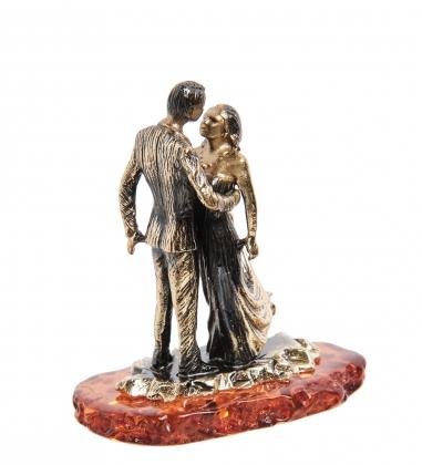 AM-1155 Фигурка  Свадебный танец   латунь, янтарь