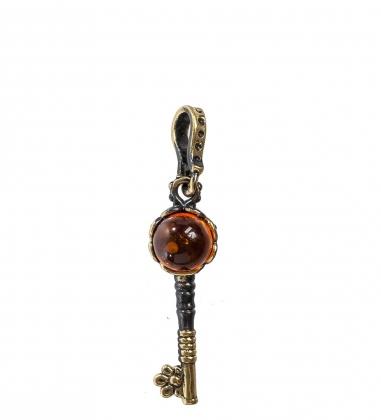 AM-1190 Подвеска  Золотой ключик   латунь, янтарь