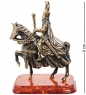 AM-1274 Фигурка  Рыцарь на коне с булавой   латунь, янтарь