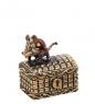 AM-1347 Фигурка  Сундучок Ушастика   латунь, янтарь