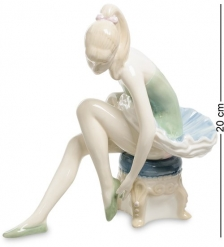 VS-309 Статуэтка  Юная Балерина
