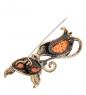 AM-2094 Брошь  Кошка с ошейником   латунь, янтарь