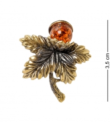AM-2100 Брошь «Листик с ягодкой»  латунь, янтарь