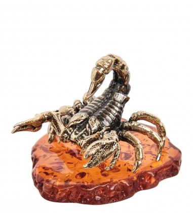 AM-1395 Фигурка  Скорпион каменный   латунь, янтарь