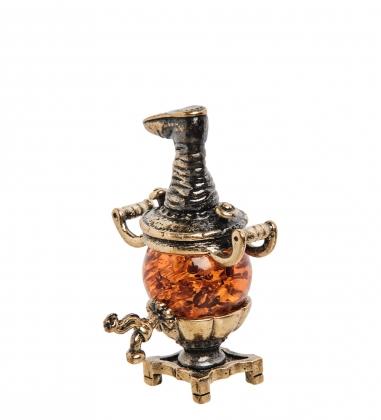 AM-1396 Фигурка  Самовар с сапогом   латунь, янтарь