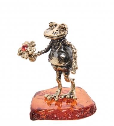 AM-1494 Фигурка  Лягушка с цветком   латунь, янтарь