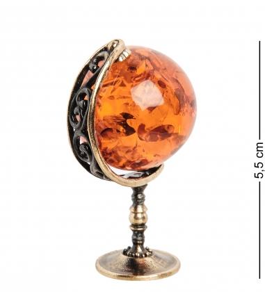 AM-1501 Фигурка  Глобус   латунь, янтарь