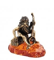 AM-1508 Фигурка «Дед Банщик»  латунь, янтарь