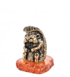 AM-1534 Фигурка «Ежик Михалыч»  латунь, янтарь