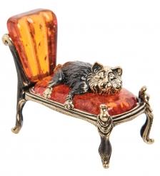 AM-1536 Фигурка «Кот на кушетке»  латунь, янтарь