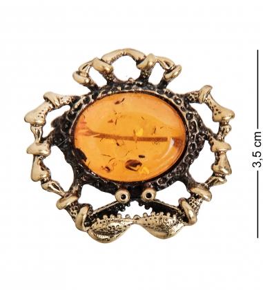 AM-1641 Брошь  Краб   латунь, янтарь