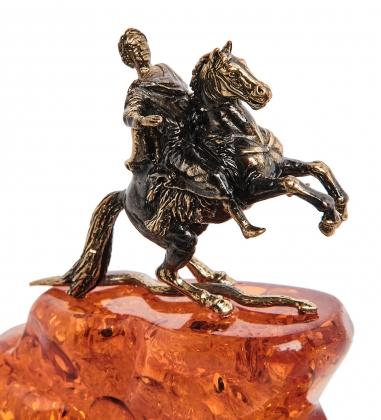 AM-1665 Фигурка  Петр I   латунь, янтарь