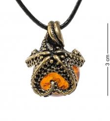 AM-1696 Подвеска «Морская звезда»  латунь, янтарь