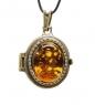 AM-1744 Подвеска  Медальон Лоза   латунь, янтарь