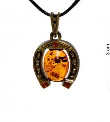 AM-1765 Подвеска «Подкова»  латунь, янтарь