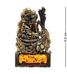 AM-1873 Магнит  Банщик   латунь, янтарь