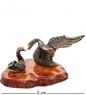 AM-1936 Фигурка  Пара лебедей   латунь, янтарь