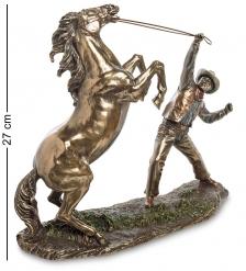 WS-882 Статуэтка  Ковбой, укрощающий лошадь