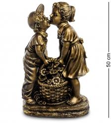 БФ- 34 Фигура  Мальчик целует девочку